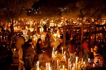 Mezarlık Nöbeti / Cemetery Vigils Oaxaca, Meksika /
